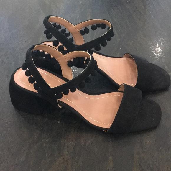 44b4d043 Zara black Pom Pom sandals. M_5a775893fcdc31a3c0b69cb1